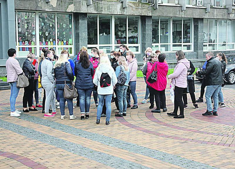 Лікарням, що лікують коронавірусних у Вінниці, міськрада збільшила зарплату. Тепер медики масово переходитимуть у заклади міста?