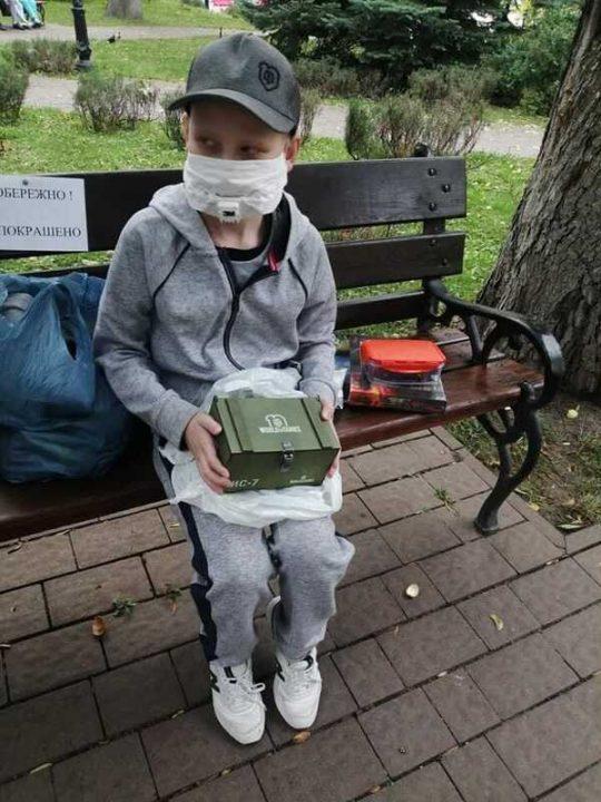 """Власник світової гри """"World of Tanks"""" створив авторські подарунки до дня народження онкохворого вінничанина Дмитра Шилова"""