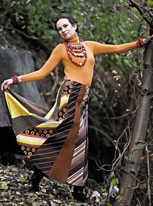 Сукні із старих краваток, хусток та скатертин створює вінницька дизайнерка