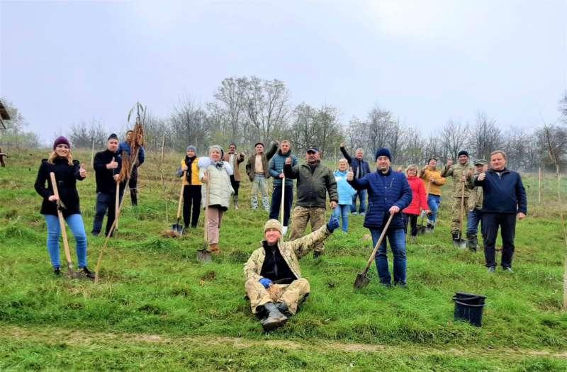 110 дерев висадили у Гайсині в Долині учасників бойових дій