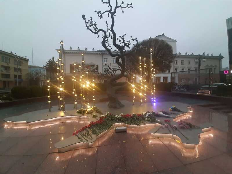 На 7-му річницю початку Революції Гідності в центрі Вінниці зібрались її учасники та пом'янули побратимів (відео)