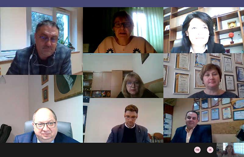 Освітяни з Вінниці та Кельце обмінювалися досвідом онлайн