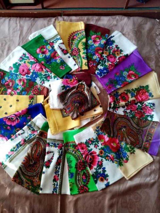 В День Української хустки вінничанки виставляють свої фото
