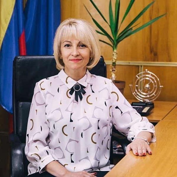 Голова ОТГ на Вінниччині Відмовилась від доплат і службового автомобіля