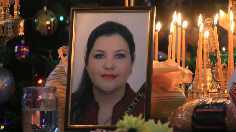 На Тетянин день у Вінниці попрощались із Тетяною Боцюрою – медиком, що в 43 роки померла від коронавірусу… На похорон прийшла вся лікарська еліта Вінниччини (відео)