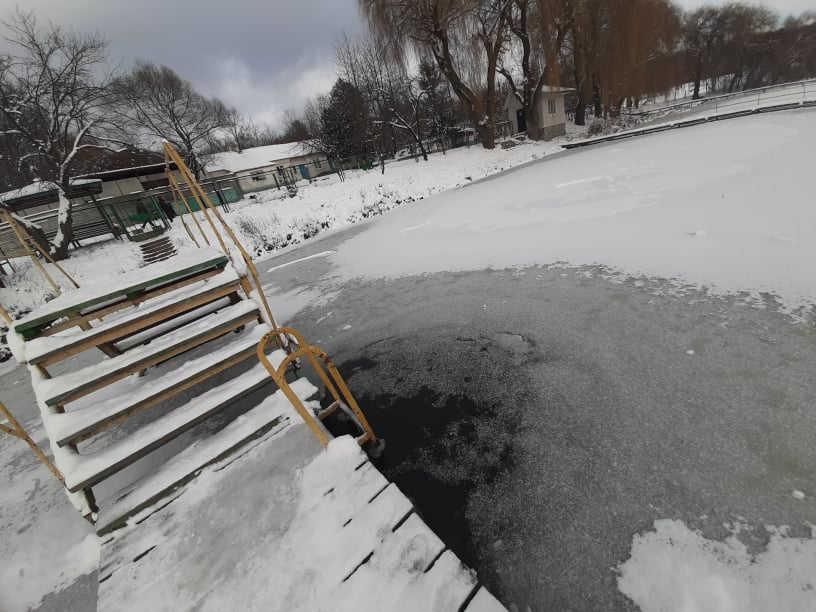 Мороз і локдаун обіцяють зірвати масові купання на Водохреща у Вінниці (відео)