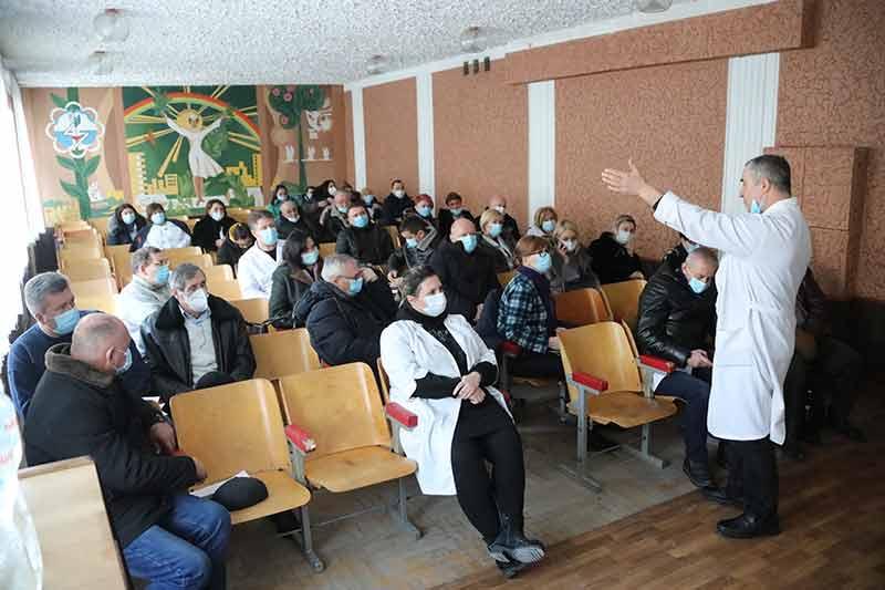 Колектив Вінницької ЦРКЛ виходить з протестами через ліквідацію (відео)