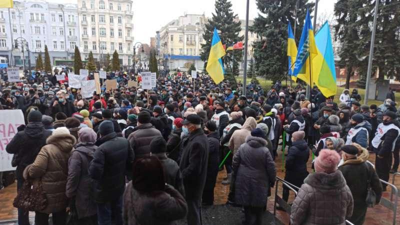 «Тарифний майдан» у Вінниці: громада повстала – вимагають негайного зниження цін (відео)