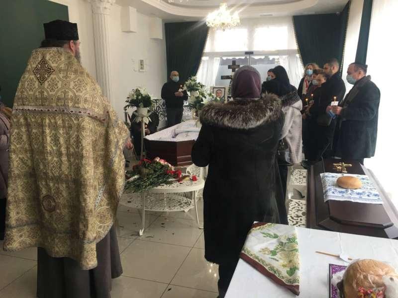 В останню путь у Вінниці проводжають педіатра Валерія Остапчука