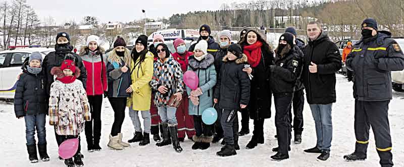 На повітряній кулі та тюбах покатали діток волонтери Вінниччини разом із «33-м каналом»