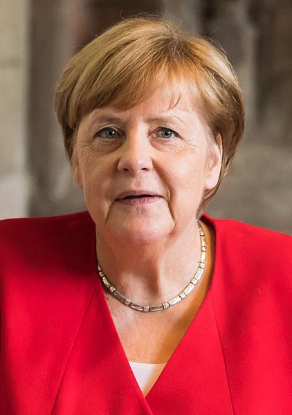 – Ця жінка варта 6 млн. чоловіків – так оцінили Меркель. Німеччина попрощалася з Меркель – шість хвилин плескала вся країна