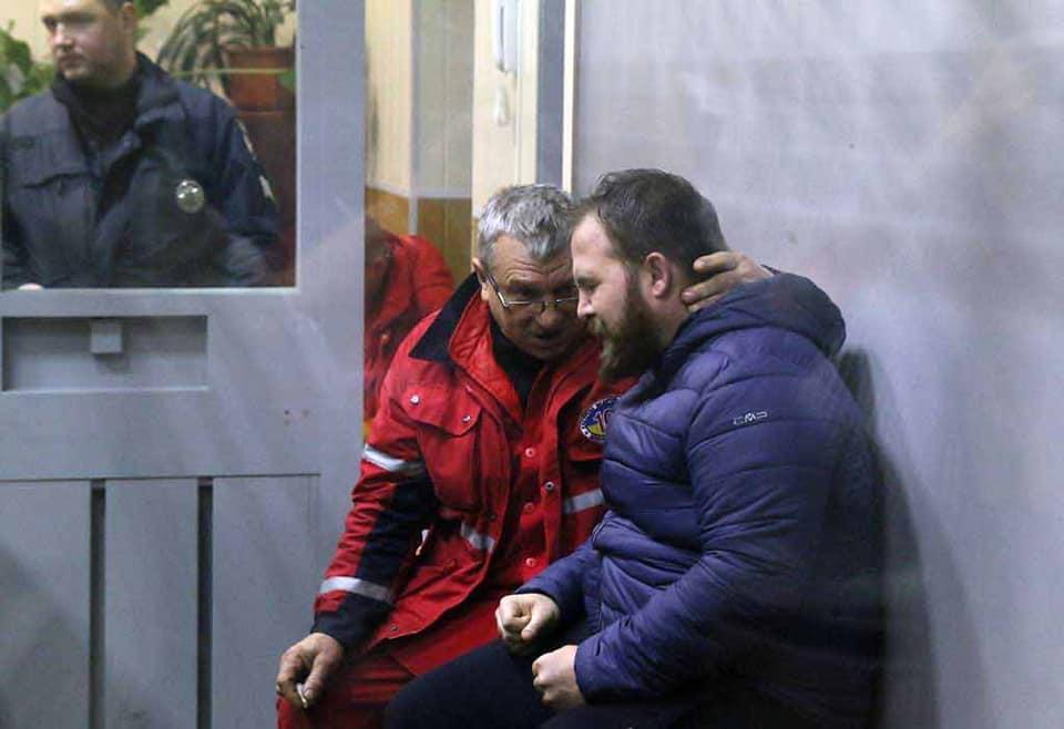 Вінничанина-айтішника, який вбив чотирьох: дітей, дружину та матір, судять у Вінницькому міському суді. Знову не пустили журналістів (відео)