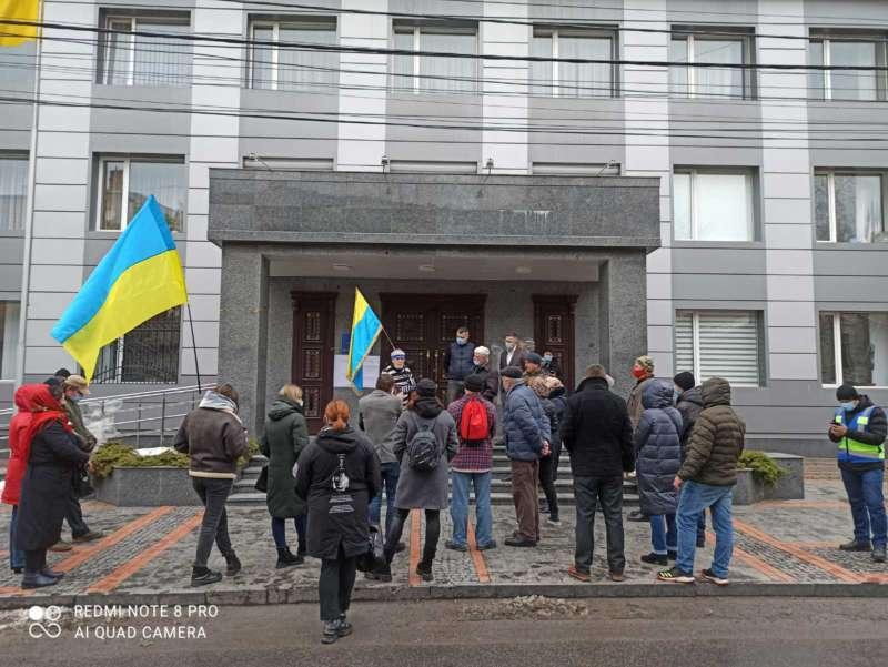Вінницькі активісти пікетують обласну прокуратуру (відео)