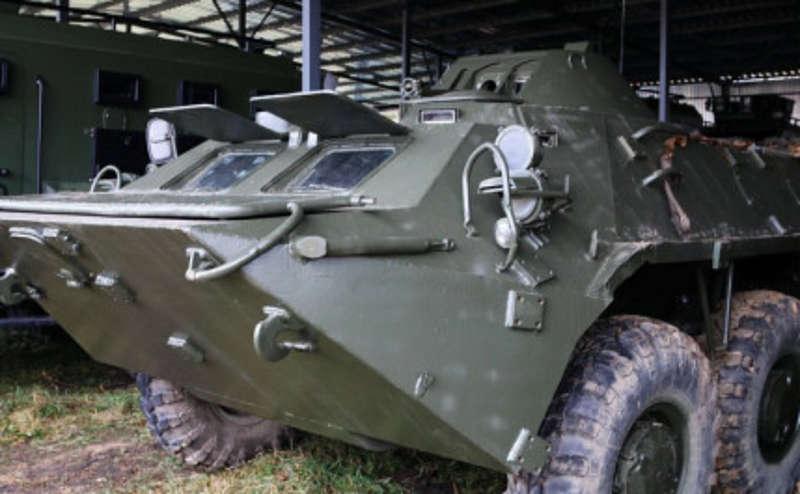2 БТРи, броні-машини та 6 автобусів нацгвардійців виїхали з калинівської військової частини