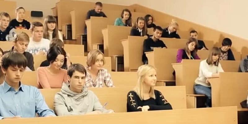 Зарахування до стажу періоду навчання в училищах, технікумах, ВНЗ можливе лише до 2004 року