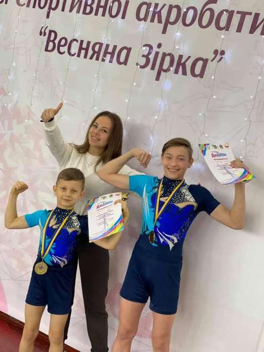 Вінницькі акробати на Батьківщині Президента виграли Всеукраїнський турнір «Весняна зірка»