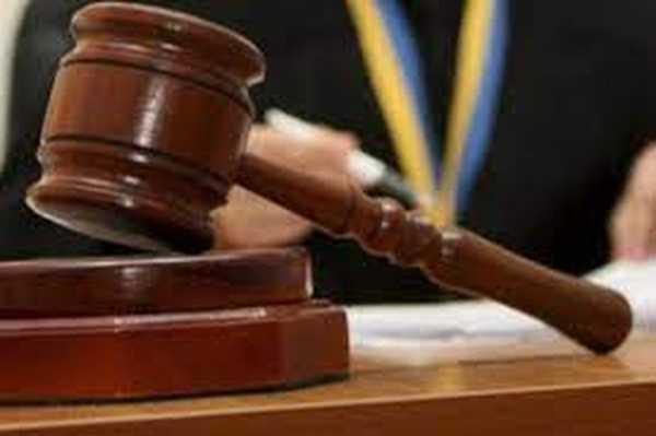 На Вінниччині судитимуть 3-х жителів Барської громади за незаконну порубку лісу та одного з них – за зберігання зброї і наркотиків