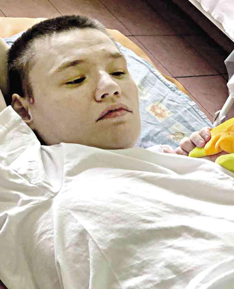 Санітарка, яка «зварила» Олену з ДЦП у гарячій ванні, отримала випробувальний термін, бо в неї двоє дітей-інвалідів?