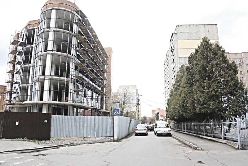 Землю у Вінниці знову дерибанять? Чому міська рада приховує від громади дані про її продаж? (лист)