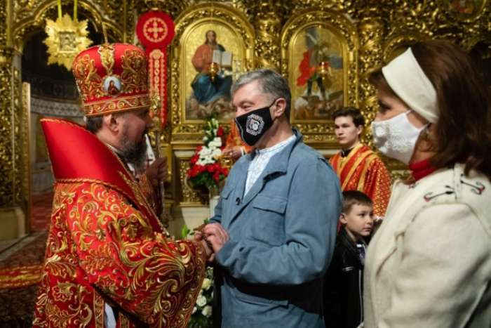 Зневіра – то справжній гріх. Петро Порошенко привітав українців з Великоднем (відео)