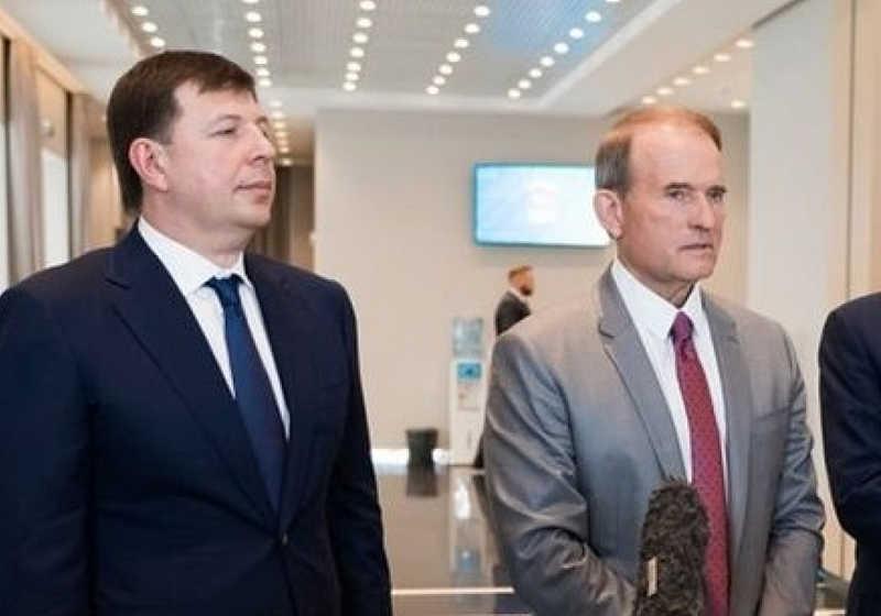 Віктор Медведчук та Тарас Козак тепер офіційно підозрювані у державній зраді