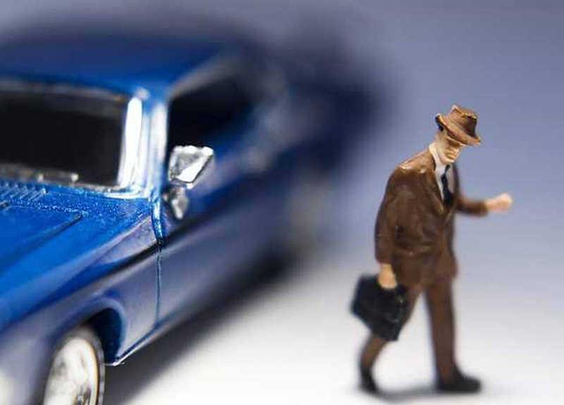 Організатору шахрайської схеми привласнення автомобілів оголосили про підозру у черговому злочинному епізоді