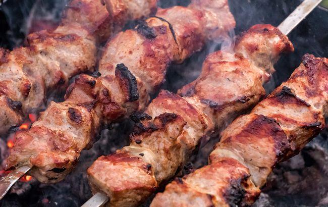 На цих дровах категорично не можна смажити шашлики: зіпсуєте і м'ясо і мангал!