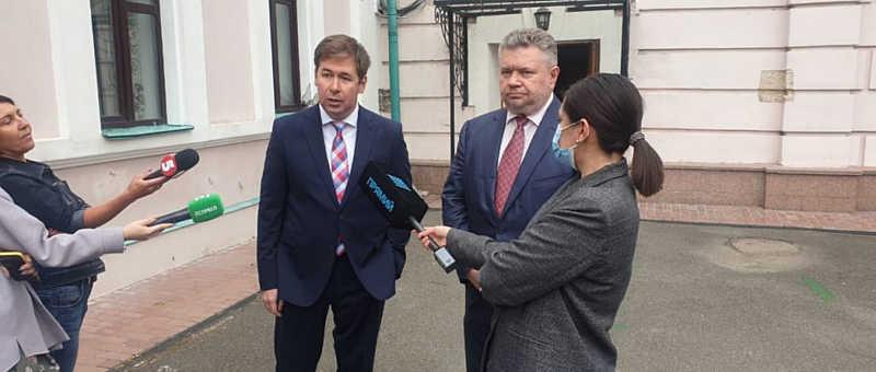 Адвокат Ілля Новіков: найближчим часом буде поданий перший позов від імені Порошенка проти Гордона за наклеп