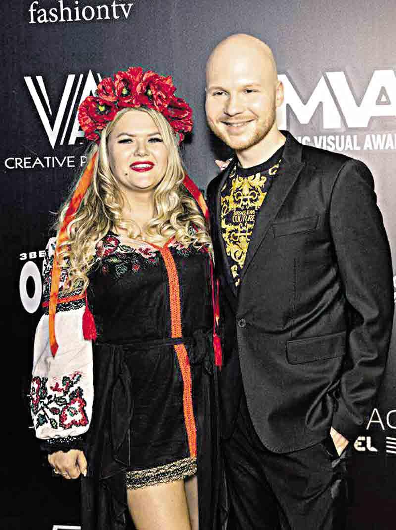 «Боялась, що мене змусять спати із продюсером», –вінничанка Олена Поліщук, яка зробила прорив у шоу-бізнесі та стала переможницею грандіозного конкурсу «Music Visual Awards»