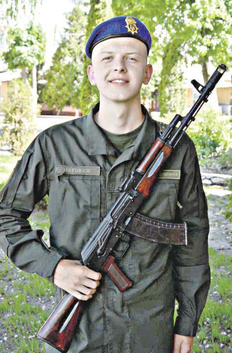 Реп-виконавець став солдатом вінницької частини. Він уже збирав зали на своїх концертах
