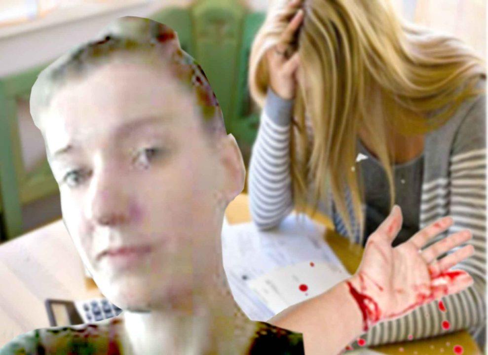 Через борги за газ жінка порізала собі вени. У газовій конторі Хмільника сталася НП