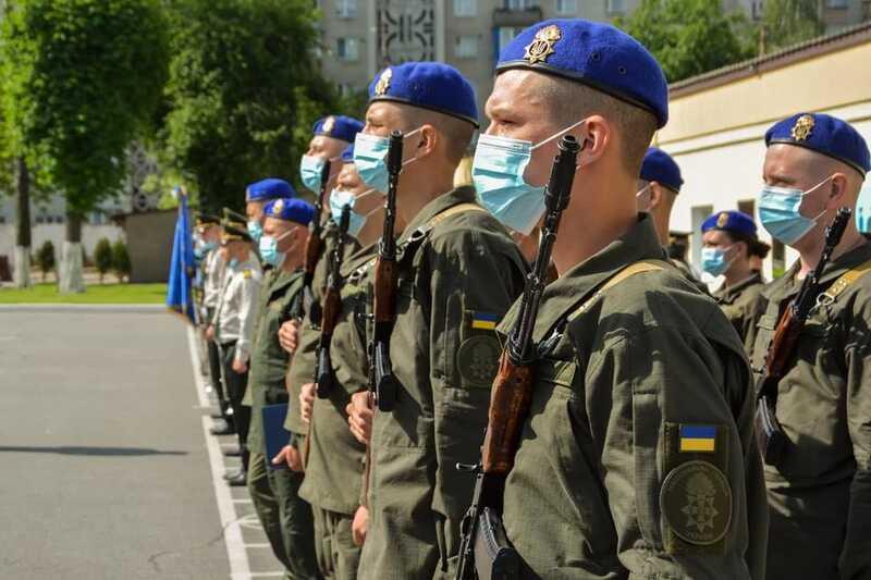 50 гвардійців військової частини 3008 присягнули на вірність народу України