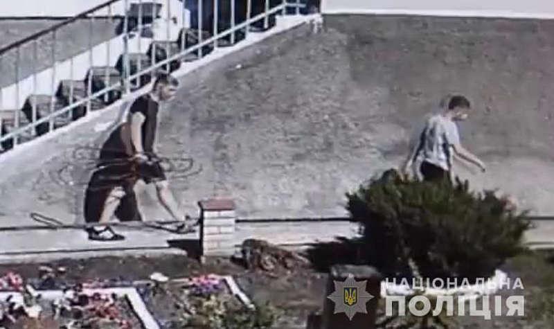 У Жмеринці підлітки вкрали трубу, яка подавала кисень до апаратів ШВЛ