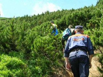 Зниклого в Карпатах вінничанина розшукують рятувальники