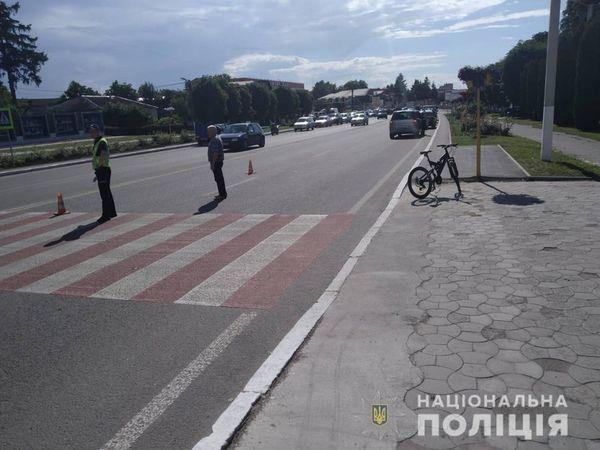 У Гайсині 12-річний велосипедист потрапив під колеса Opel на «зебрі»… Хто винен розбирається поліція