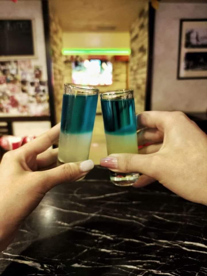 За кожен гол у ворота Росії – жовто-блакитний коктейль у подарунок у Вінниці