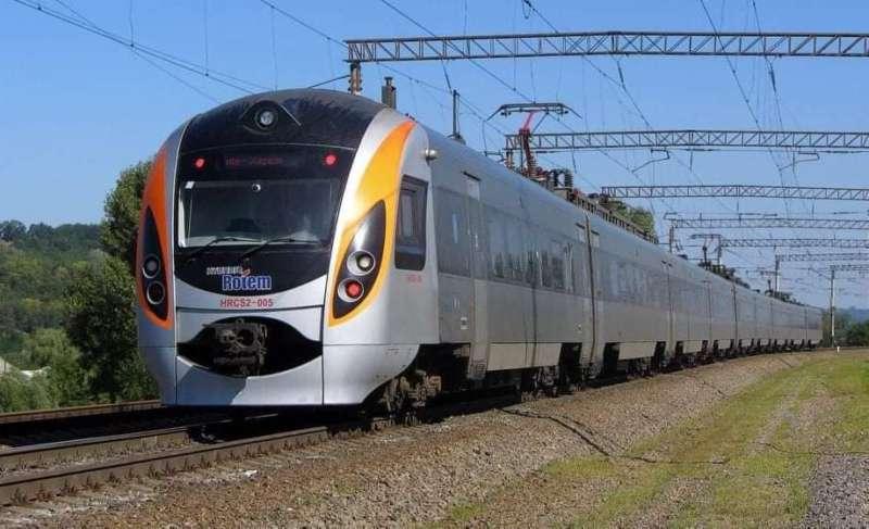 УЗ відновлює потяги в Польщу! Інтерсіті через Вінницю довезе вас у Перемишль… Розклад