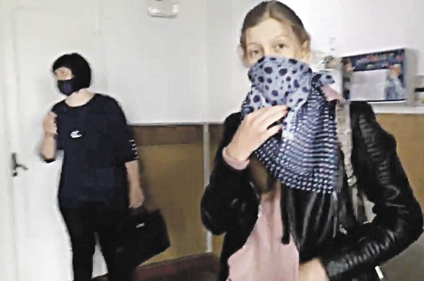 9-класниця з Бабчинців вважає коронавірус «коронабєсієм» і відмовлялася носити у школі маску