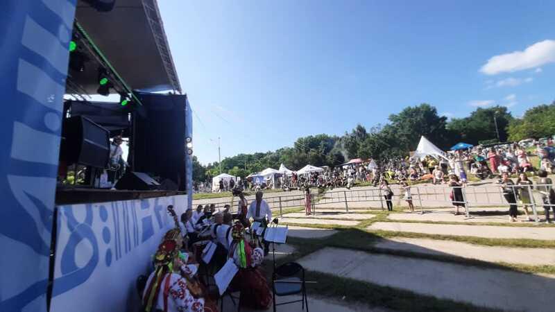 З Русалками і святковими танцями у Вінниці стартувало святкування Івана Купала на Вишеньці (відео)