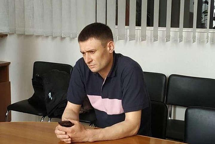 За побиття підлітка засудили екс-копа з Вінниччини. Він втік та перебуває у розшуку Чому активісти цей вирок називають «гнилим правосуддям»