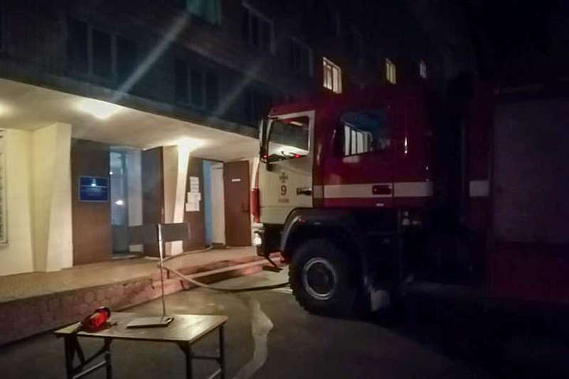Горіло в гуртожитку вінницького медуніверу… Евакуювали 230 студентів-іноземців. Без жертв!