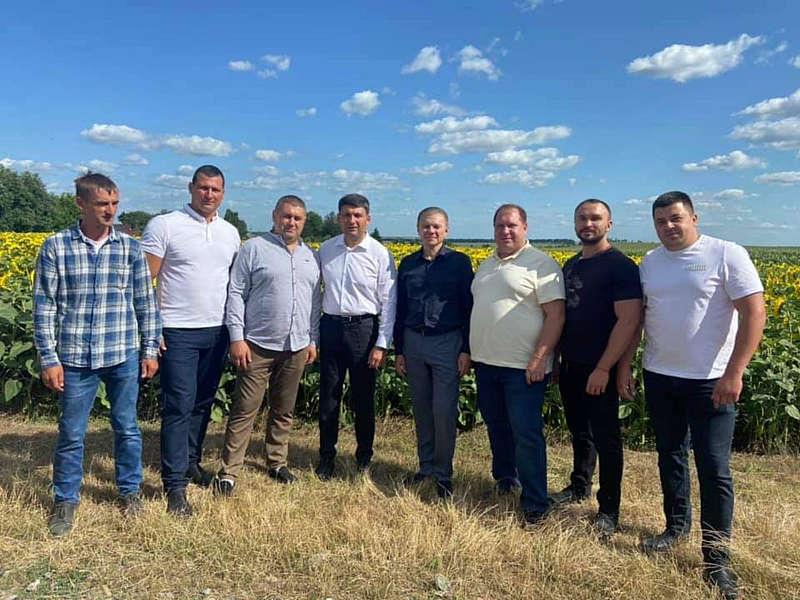 Володимир Гройсман зустрівся із фермерами Шаргородщини… Мова йшла про земельну реформу