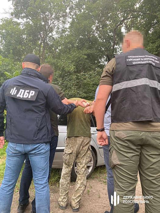 Хабарнику-прикордоннику з Вінниччини призначили домашній арешт