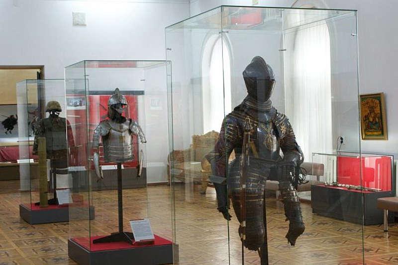 У могилі сарматського царя на Вінниччині дістали меч-піфах