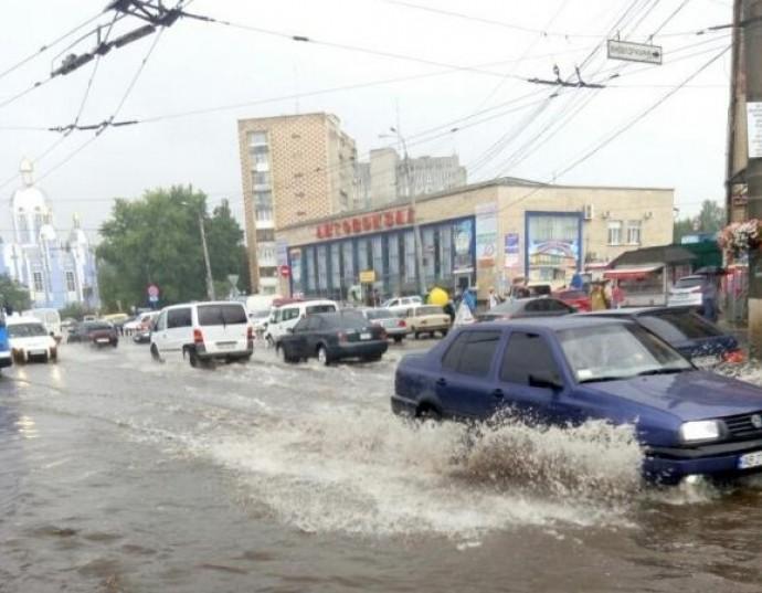 Дощі, грози і місцями град – погода на Вінниччині