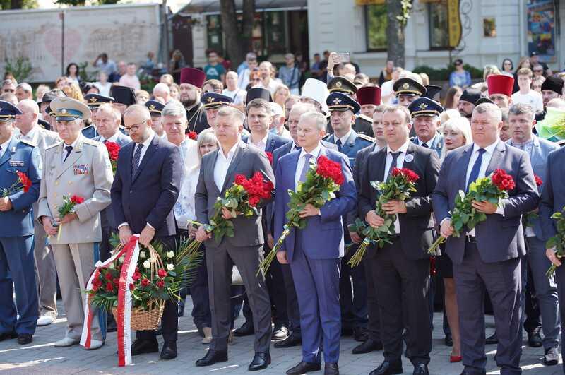 У День Незалежності у Вінниці віддали шану загиблим за державу Героям