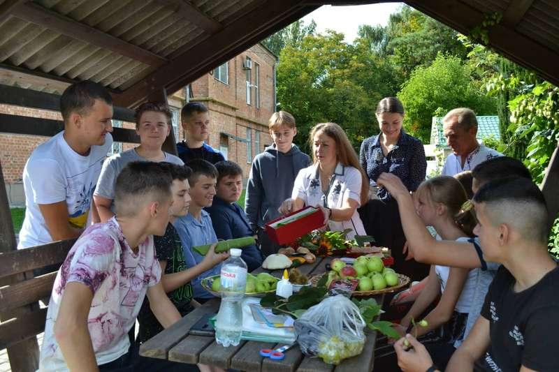 «Юннатівський бум» у Вінниці. З нагоди початку навчального року на станції юннатів влаштували свято