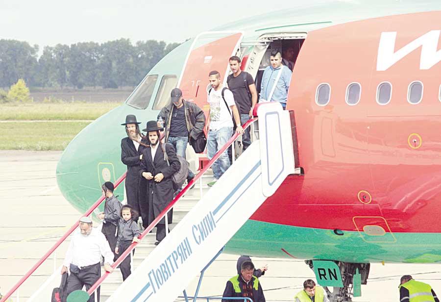 Хасидський рейс у Вінниці на приватному літаку «занюхав» спецпес…