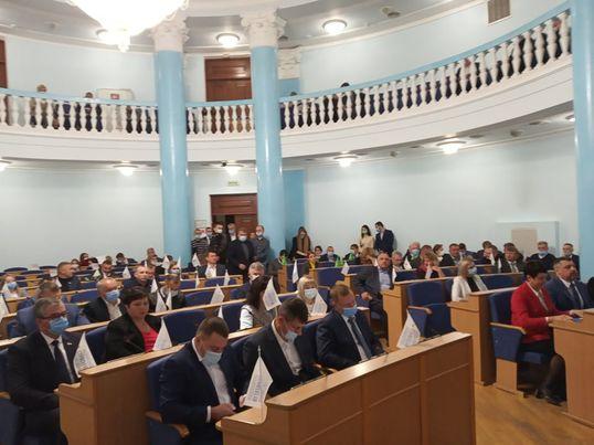Чергова сесія обласної ради розпочала роботу (відео)