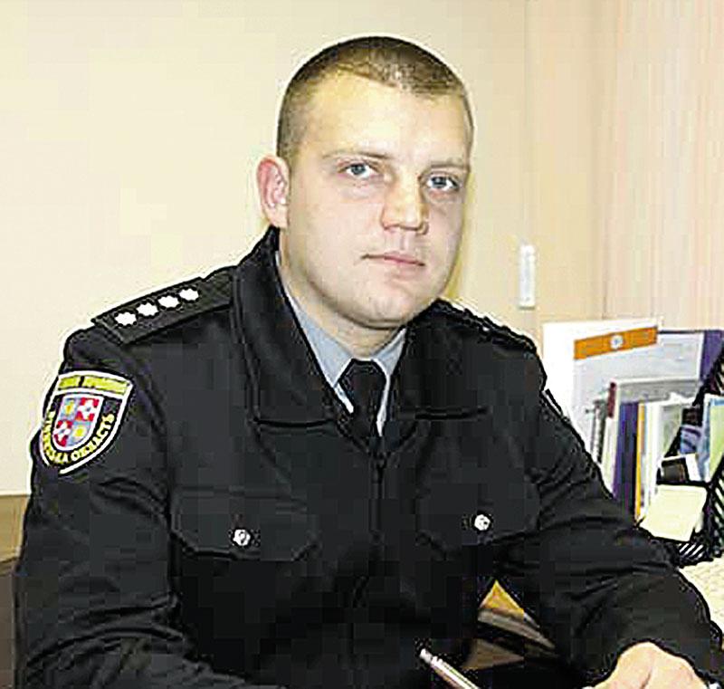Калинівський слідчий затримав хулігана у тролейбусі